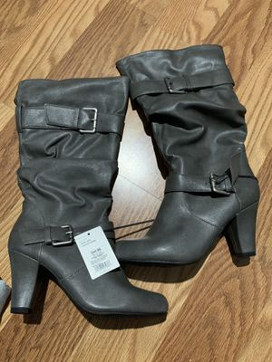 Gray Boots size 8 brand new for Sale in West Covina, CA