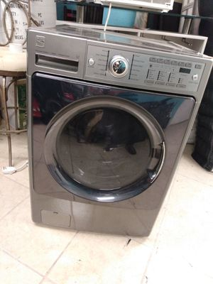 Kenmore elite washer for parts or someone to fix it for Sale in San Antonio, TX