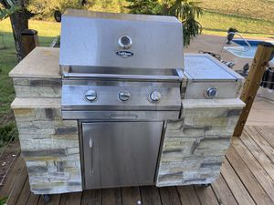 Free Grill for Sale in Hoschton, GA