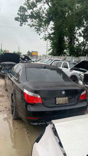 04-07 BMW 530i FOR PARTS for Sale in Spring, TX