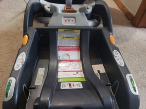 Car seat and Base for Sale in Appleton, WI