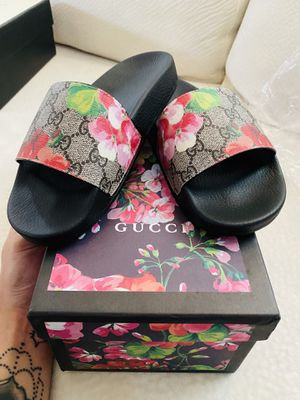 Gucci slides for Sale in Kent, WA