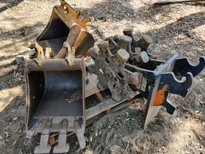 Bob Cat backhoe buckets with Cat style Coupler for Sale in Fontana, CA