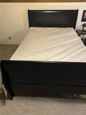 Full size bed frame, two dressers, small side table for Sale in Deweyville, TX