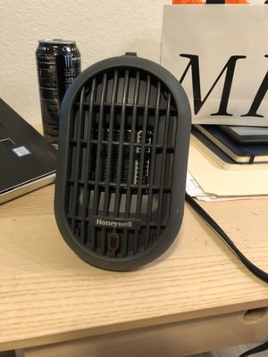 Honeywell Ceramic Personal Heater for Sale in Houston, TX