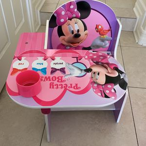 Minnie Mouse Toddler Desk for Sale in Glendale, CA