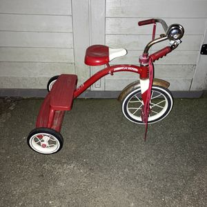 Radio Flyer Tricycle for Sale in Haverhill, MA