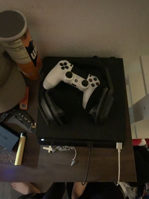 PS4 Slim 1TB, PS4 Controller, Astro A20 for Sale in Chandler, AZ