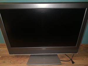 Toshiba 32-inch TV with built in DVD player for Sale in Lynnwood, WA