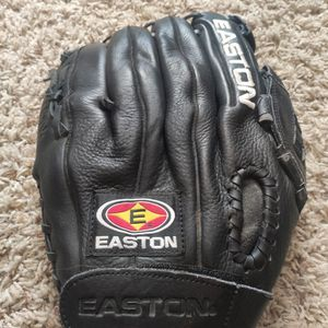 Easton Black Magic Baseball / Softball Glove for Sale in San Diego, CA
