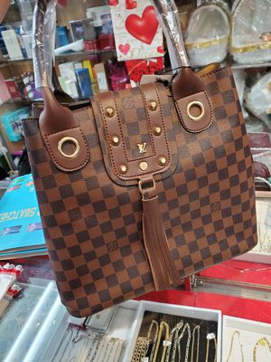 High quality hand bag for Sale in Marietta, GA