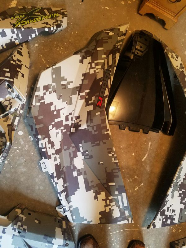 2016 CanAm Maverick 1000r plastics complete set