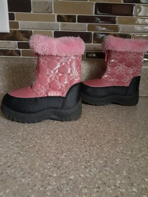 Pink Snow /Rain Boots Sz 8 for Sale in Winston-Salem, NC