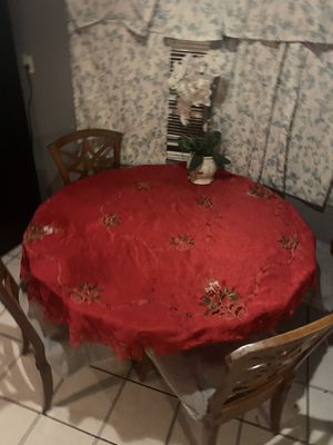 Round glass table for Sale in Los Alamitos, CA