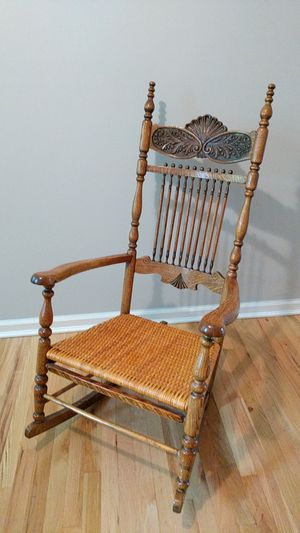 Rocking chair for Sale in Jersey City, NJ