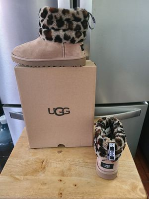 UGG MINI QUILTED LEOPARD NEW for Sale in Lynwood, CA