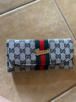 Gucci wallet in great condition for Sale in Helotes, TX