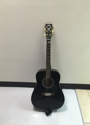 Yamaha acoustic guitar for Sale in West Covina, CA