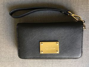 Michael Kors Zip-Around Wristlet for Sale in Boston, MA