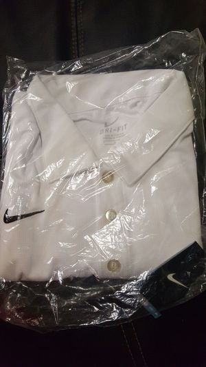 4 left New in bag Nike White dri fit short sleeve polos. (regularly $ 50 to $ 80.00.) for Sale in Scottsdale, AZ