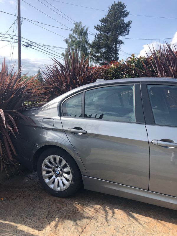 2009 bmw 328 needs fixing. Sold as is.
