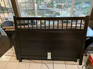Black queen bed frame for Sale in Mount Hamilton, CA