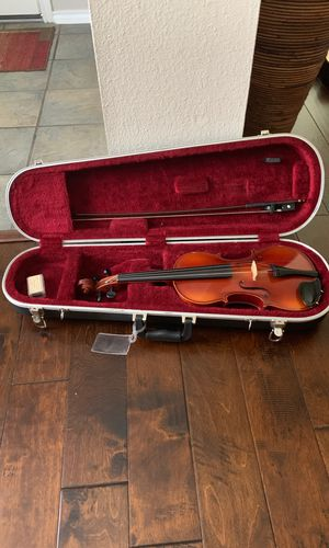 4/4 Violin with case, bow and rosin for Sale in San Antonio, TX
