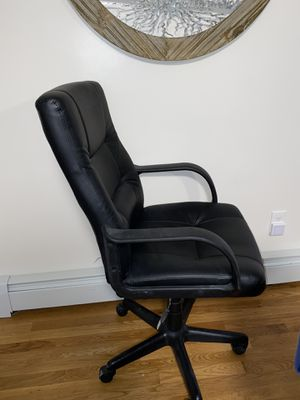 Executive office chair for Sale in Warwick, RI