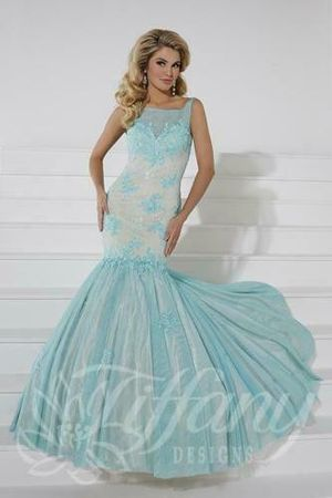 Brand new with tags Genuine Tiffany Size 6 Pageant / Engagement / Cocktail / Prom Dress Fresh Mint Green Blue for Sale in Tinley Park, IL