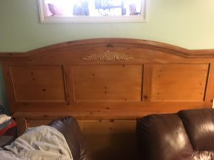 King's frame bed for Sale in Buffalo, NY