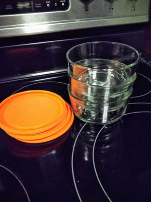 Set of 3 Pyrex glass Tupper ware for Sale in Tarpon Springs, FL