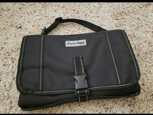 Baby travel changing pat! Very clean, in great condition. It has a zipper in the front and two packets inside for wipes and diapers for Sale in Clovis, CA