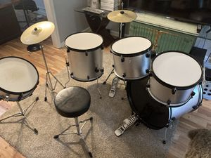 Time for your kid to start playing the drums 🥁 for Sale in Lilburn, GA
