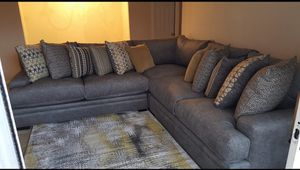 Cindy Crawford sectional couch for Sale in McDonough, GA