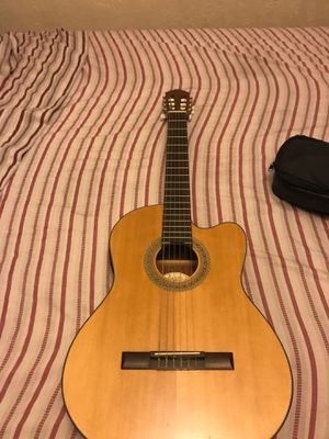 Lucero classical Guitar LC-200CE for Sale in National City, CA