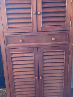 Beautiful 5 Tier Storage Cabinet 1 Drawer 3 Adjustable Shelves 4 Louvered Doors for Sale in Levittown,  PA