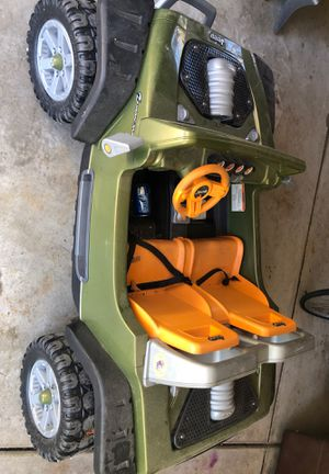 Jeep car for kids from 3to 8 years old 2seat with charger in a good condition for Sale in Dearborn Heights, MI