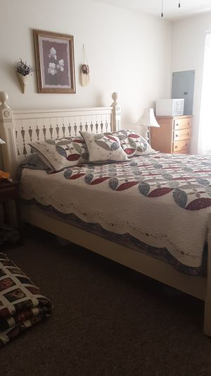 Beautiful Queen Bed Frame/Set (all included) for Sale in Waite Park, MN