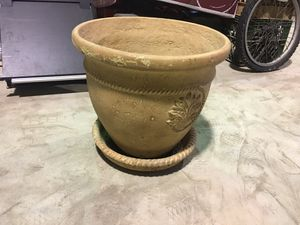 Ceramic Flowers pot for Sale in Queens, NY