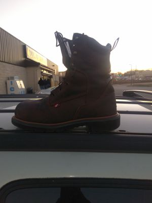 Size 10 redwings, excellent condition for Sale in Richmond, VA
