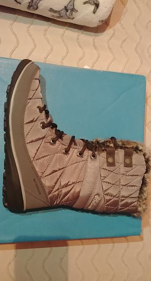 Columbia snow boots for Sale in Falls Church, VA