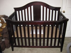 Summer Infant Baby Crib and Conversion Kit for Sale in Traverse City, MI