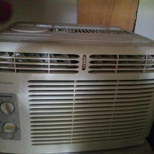 Frigidaire AC 5,000 BTU for Sale in Oroville, CA