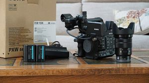 Sony PXW-FS5 XDCAM Super 35 Camera System with Zoom Lens Professional Camcorder, Black (PXWFS5K) for Sale in Cary, NC