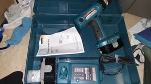 Brand new makita 18 v drill 2 batteries charger and box for Sale in Cleveland, OH