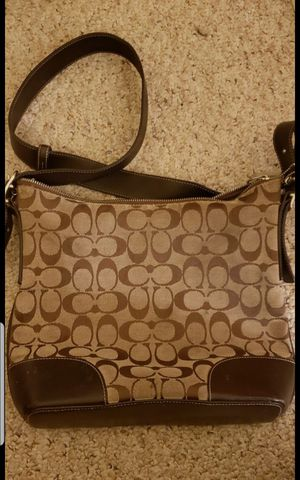AUTHENTIC Coach Purse - MAKE AN OFFER for Sale in Las Vegas, NV