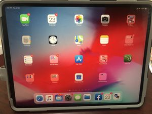 New Ipad Pro 3rd Generation (256 GB) huge 12.9 in screen with Pelican Protection case for Sale in Hampton, VA