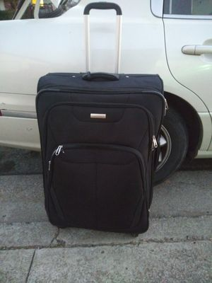 Sansonite Sihlouette 16 spinner luggage bag for Sale in Brentwood, CA