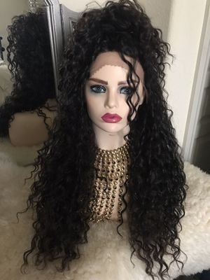 New lace front synthetic wig/Peruvian hair /l parting color is S1B/30 is 24 inches long high heat resistant fibers can be straightened 400 f comes w for Sale in North Las Vegas, NV