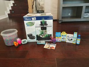 New aqueon fish tank 8.8 gallons and accessories for Sale in Punta Gorda, FL